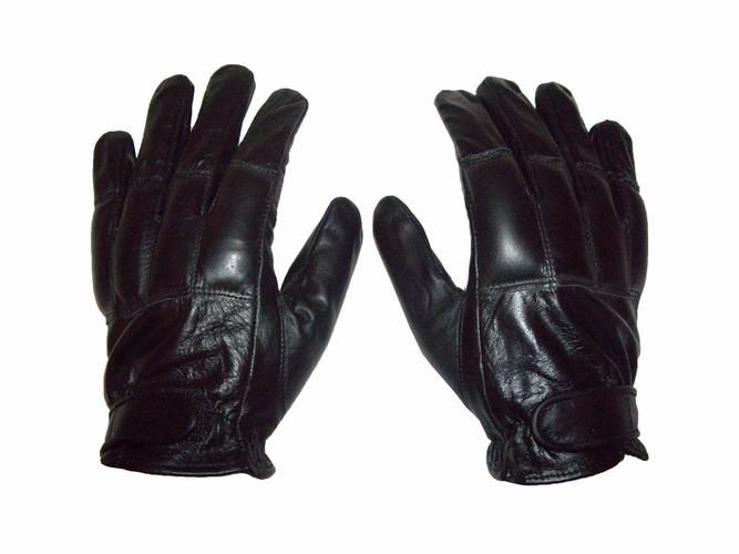 EM_T_Glove_01