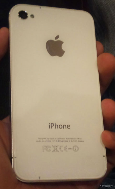 Apple-iPhone-4-Prototype3