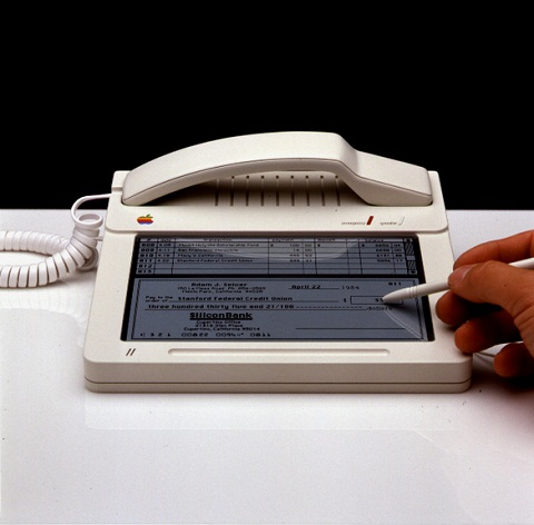 Phone-Mac-Studie-mit-AT-T-1984-1